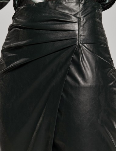 Φούστα κρουαζέ απο δερματίνη με πιέτες μαύρη ACCESS FASHION
